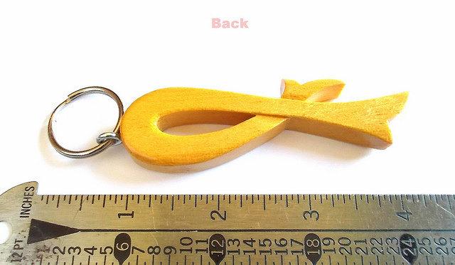 Yellow Ribbon Keychain in Pau Amarello Wood