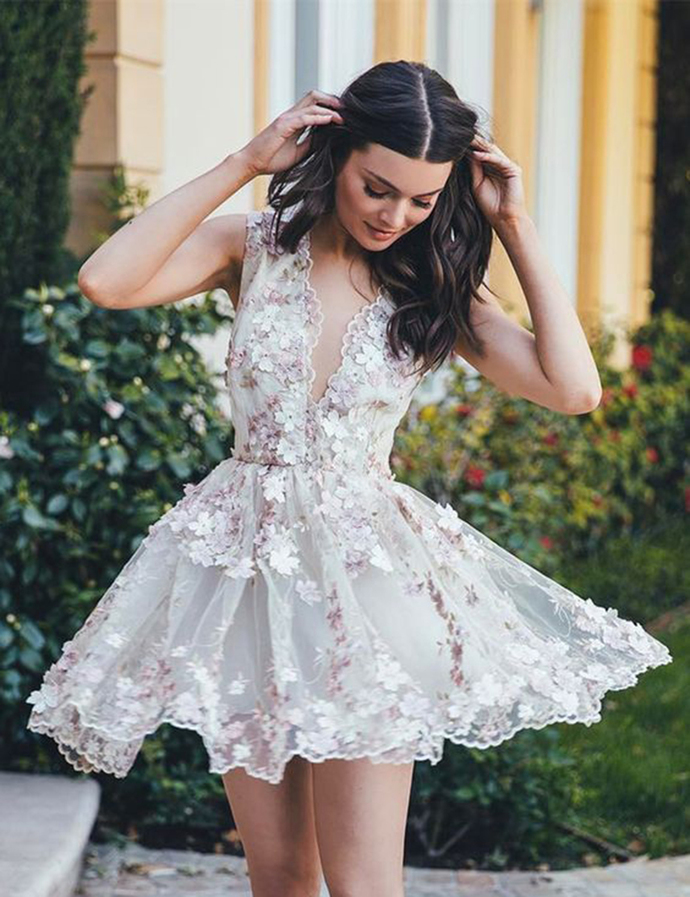 Deep V-neck Lace Flowers Party Dress 2018