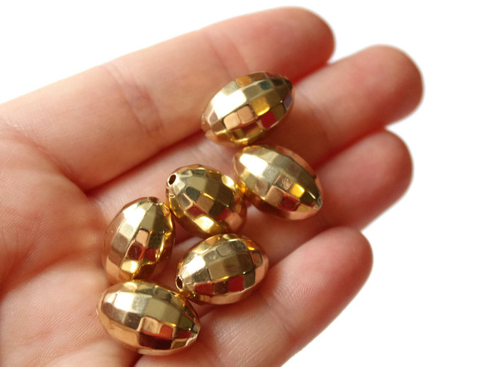 6 18mm Faceted Oval Beads Gold Plated Plastic Beads Vintage Acrylic Beads