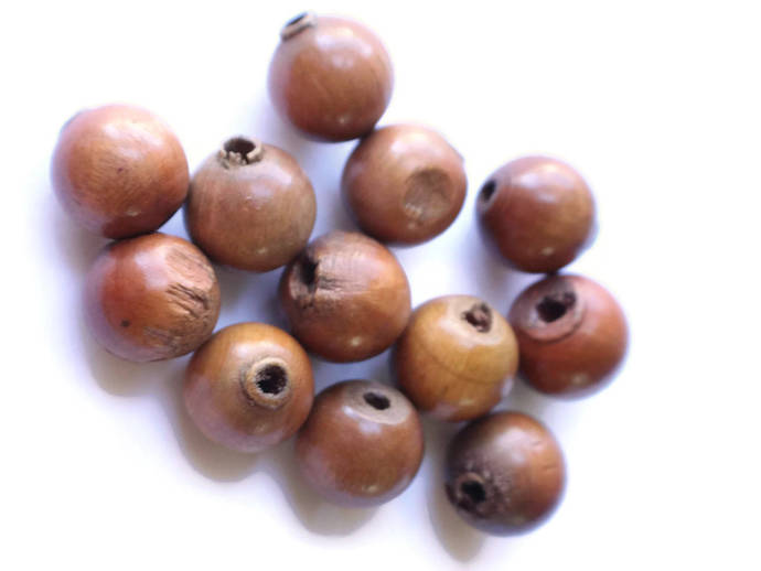 12 17mm Round Wood Beads Brown Beads Wooden Beads Nut Beads Vintage Beads New