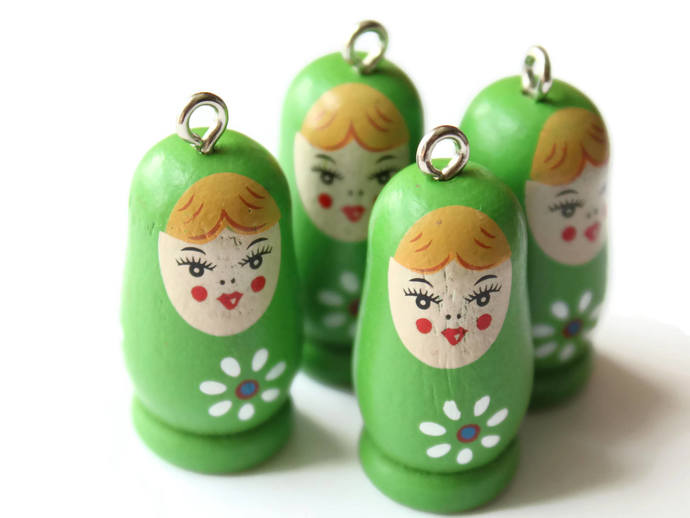 4 37mm Green Wooden Matryoshkas Wood Russian Doll Charms Nesting Doll Pendant