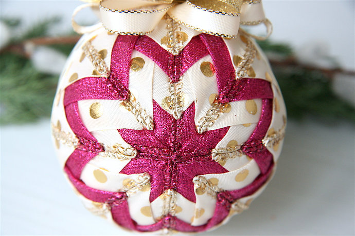Quilted Christmas Ornament Tutorial Quilted Christmas Ornament