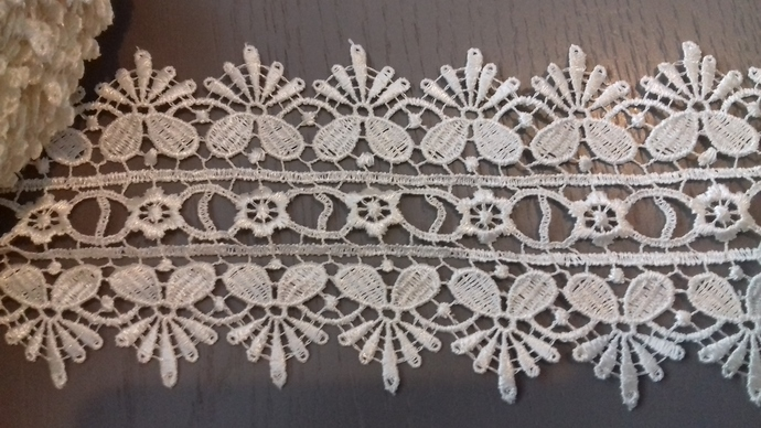 1yd Double Sided Guipure Lace