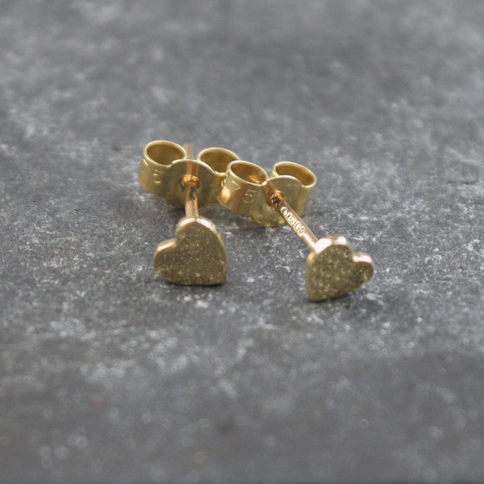 Heart earrings. 9ct gold handmade heart earrings.