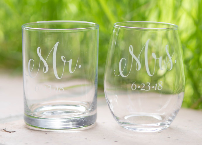Mr. and Mrs. Glasses and Wedding Date, Set of 2, Mr. and Mrs. Toasting Glasses,
