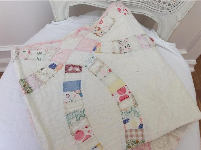 vintage granny quilt cutter piece