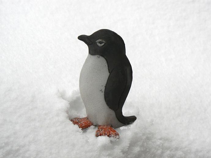 Raku Pottery Penguin Clay Ceramic Penguin Sculpture With Crackle Glaze Smoke
