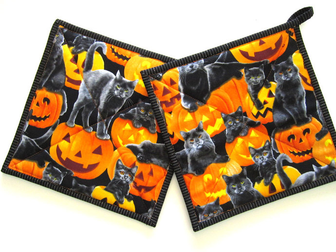 Pot Holders Set of 2 - Halloween with Cats and Pumpkins Potholders