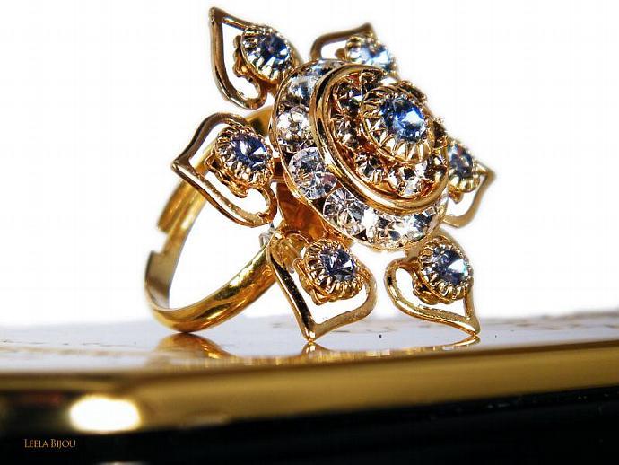 Golden Star Ring in Violet Swarovski Crystal Gold Plated