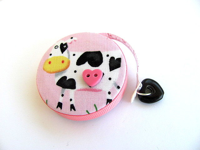 Tape Measures Cows and Hearts Retractable Measuring Tape