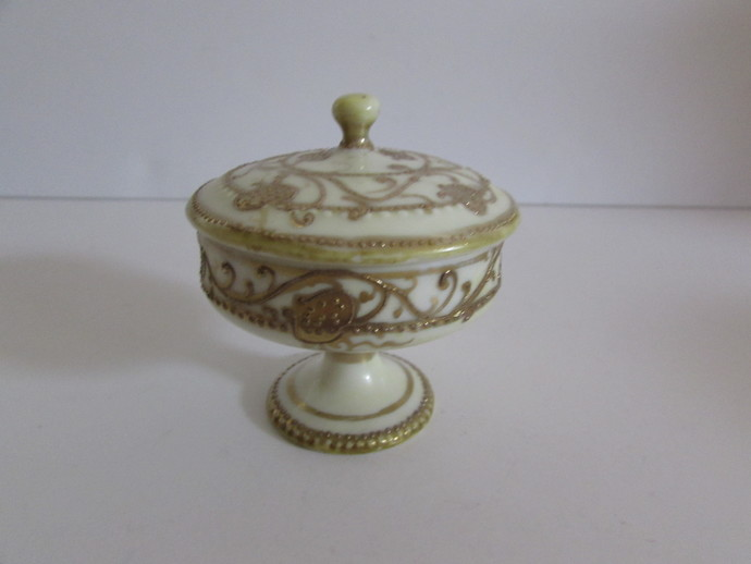 Small Nippon Type Pedestal Covered Trinket Dish, Small Pedestal Covered Trinket