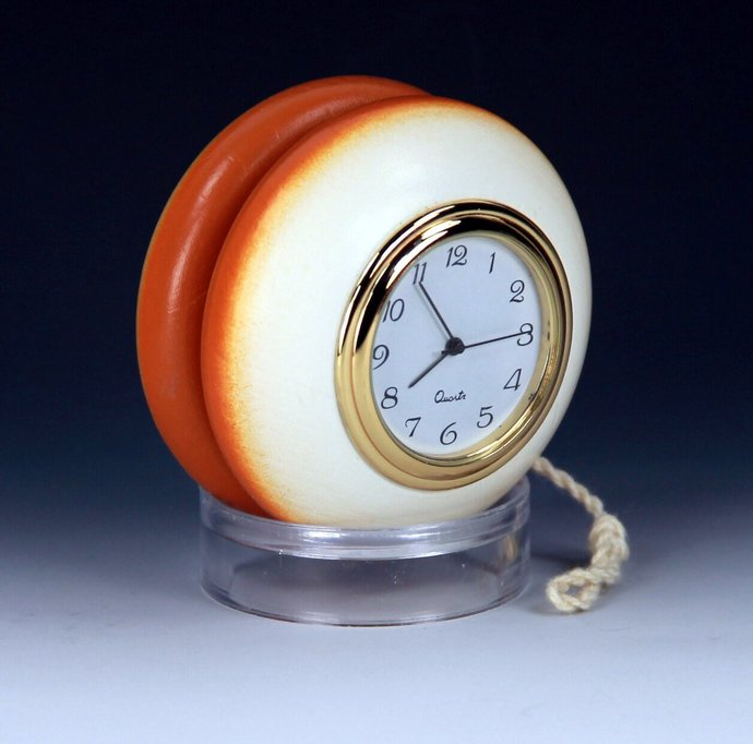 Tom Kuhn/BC School-Colors YoYo Desk Clock - Modded by YoYoSpin