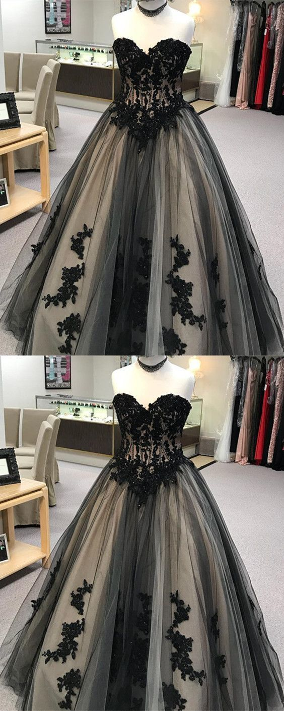 Black Lace Embroidery Sweetheart Tulle Ball Gowns Quinceanera Dresses
