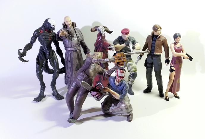 Biohazard 4 Collection Mini Figure Series (1) Set Of 8 - Capcom Resident Evil