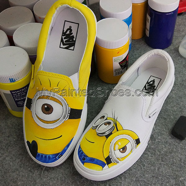 fbd8b662487335 Custom Anime Vans Minions Despicable Me Hand Painted Shoes Women Converse