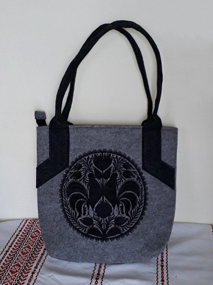Grey felt tote, shopper, shoulder bag / handheld bag, with black cockerels