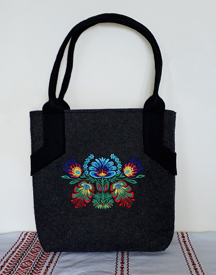 Elegant felt tote, shopper, handheld bag, with traditional ethnic Polish