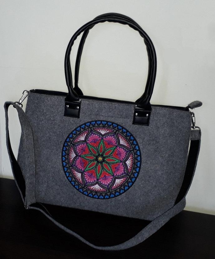 """Elegant felt bag for women handbag/shoulderbag 20"""" laptop / macbook / notebook /"""