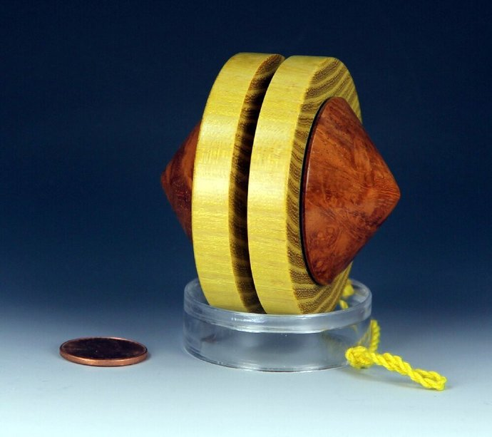"""Handmade Toy YoYo - Replica of the 1950's Duncan """"Pointed Satellite, by"""
