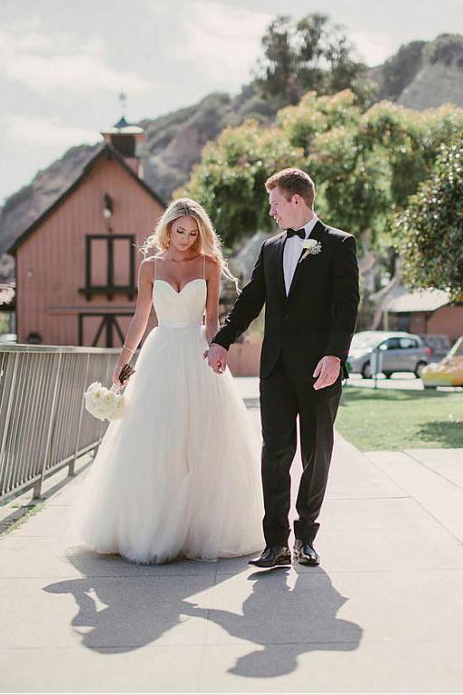 55bb864ccab3 Pretty Spaghetti Straps A-line Tulle Ivory Summer Beach Wedding Dresses