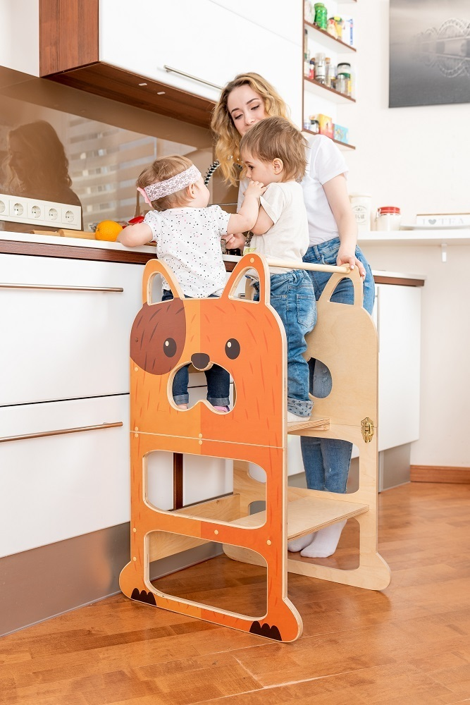 Montessori kitchen step stool ''Speedy dog'' , step stool, table and chair.