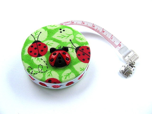 Measuring Tape Ladybugs on Green Retractable Pocket Tape Measure