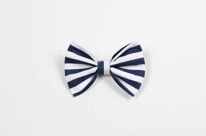 Large Cotton Bow Clip//Clip on Bow Tie - Navy Stripe