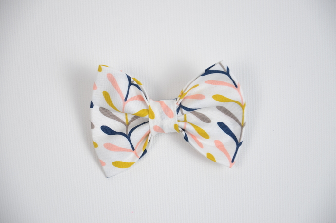 Large Cotton Bow Clip//Clip on Bow Tie - Spring Sprigs