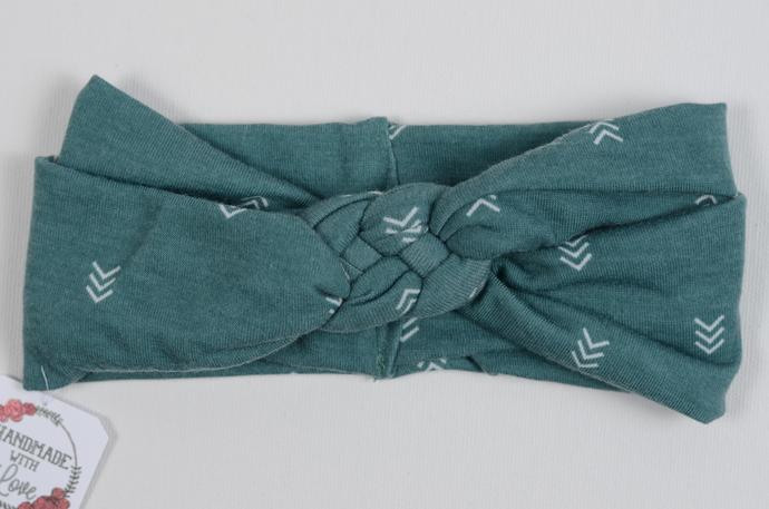 Infant Celtic Knot//3-6 Months// - Arrows on Jade