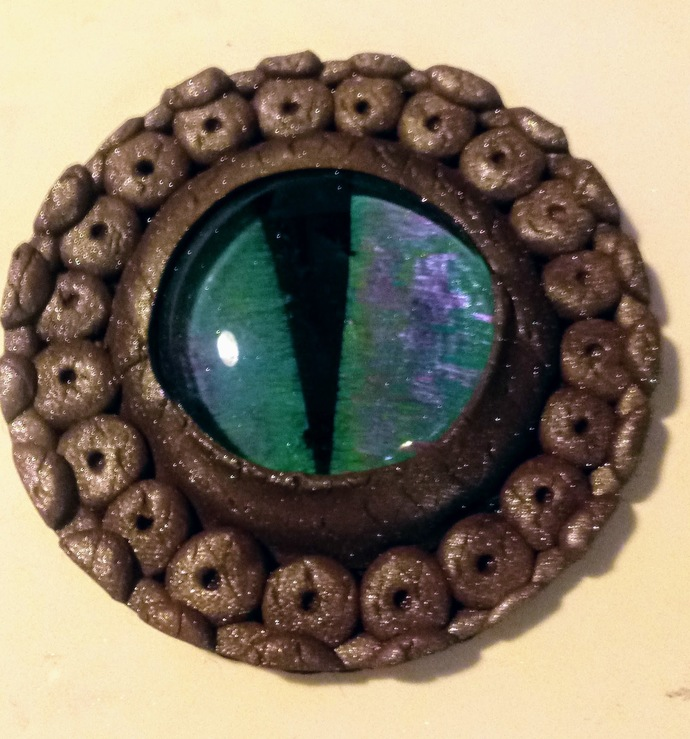 Simple Purple Glitter Dragon Eye Magnet