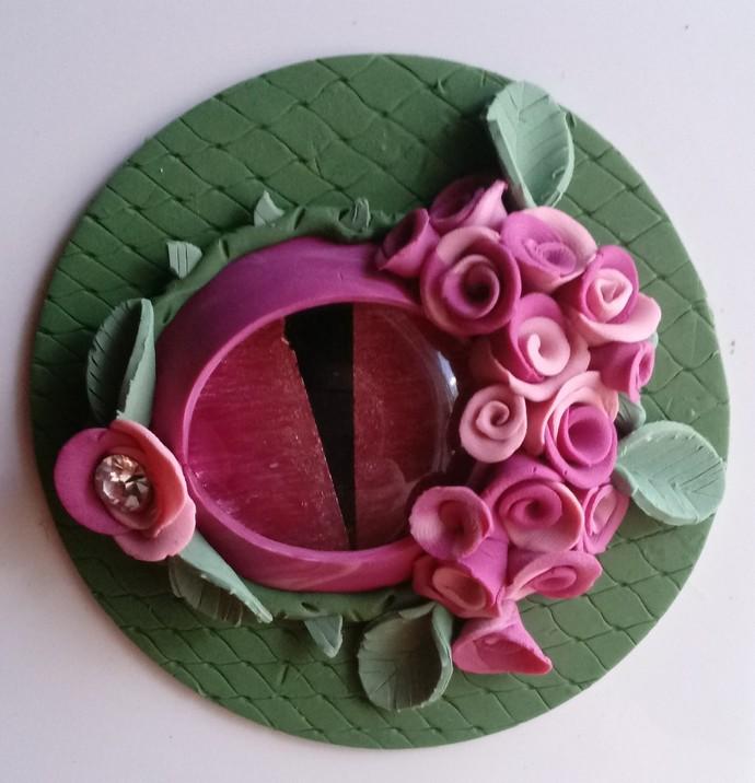 Artistic Bonita Garden Dragon Eye Magnet