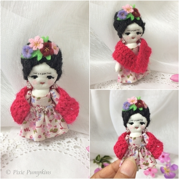 Frida Kahlo Cloth Doll, Miniature Frida Kahlo Handmade Doll, Tiny Frida Plush