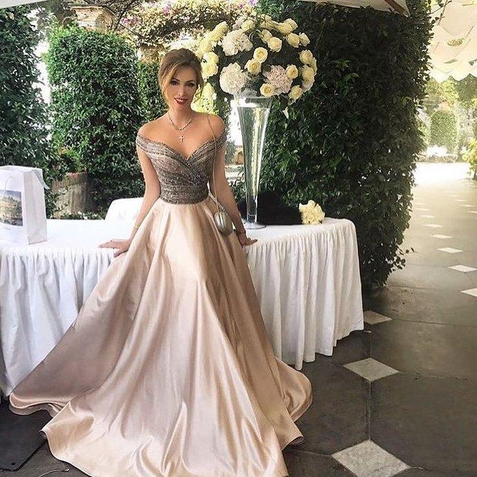 e6ce90dc0f0 Elegant evening dress