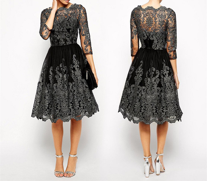 A-Line Round Neck Blush Lace Prom Dress with Appliques