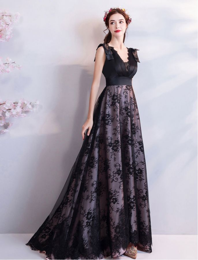 ELEGANT IN BLACK FORMAL LACE EVENING DRESS