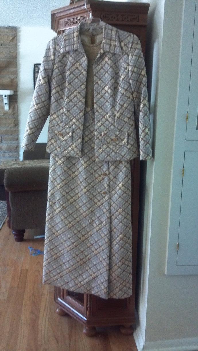 Vtg Harzfeld's Fabulous Texture 2 pc Suit  10