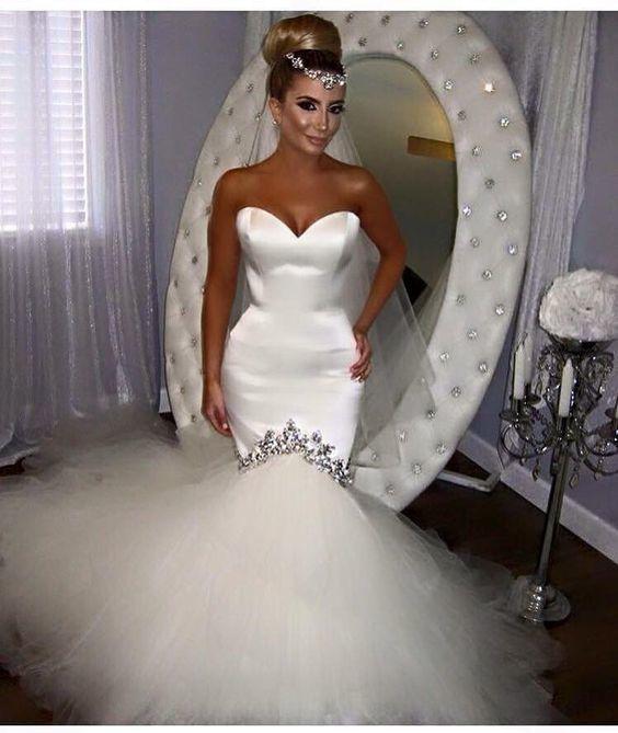 Spaghetti Strap Sweetheart A-Line Wedding Dress with Ruffles Horsehair Hemline