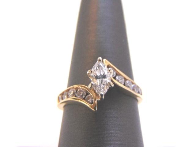 Womens Vintage Estate 14K Yellow Gold Marquise Diamond Ring 3.7g E2783