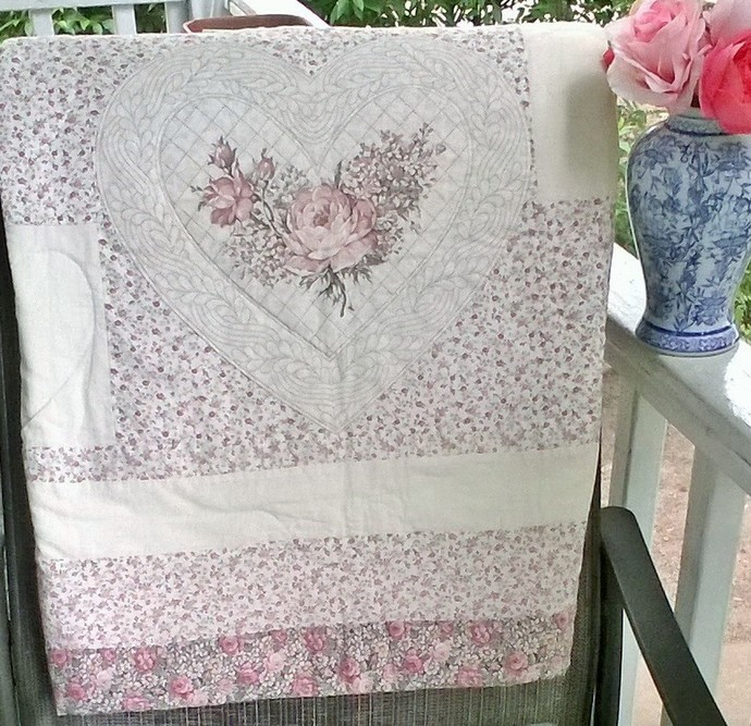 Vintage Heart Quilt with FREE U.S. SHIPPING
