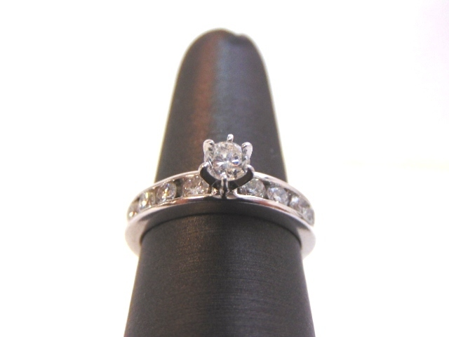 Womens Platinum Diamond Engagement Ring 6.9g E2785
