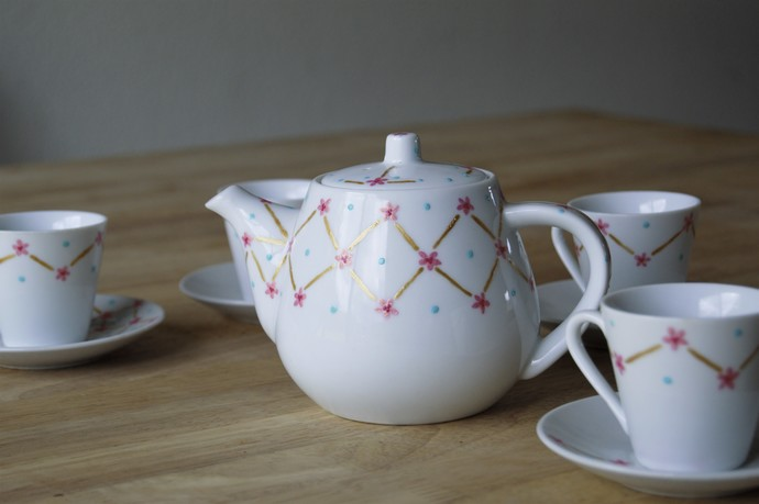 Pink and Gold Trellis Children's Tea Set