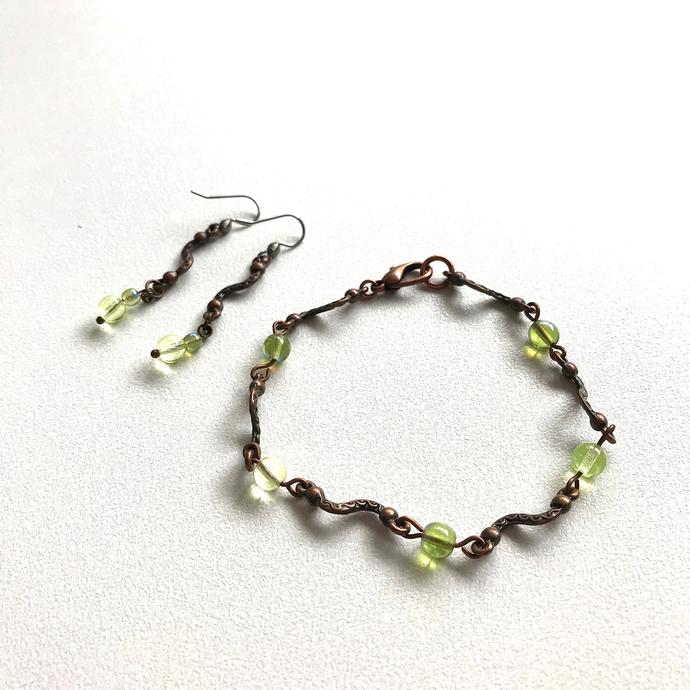 Copper Squiggle Peridot Bead Jewellery Set Bracelet Earrings Czech Glass Beads
