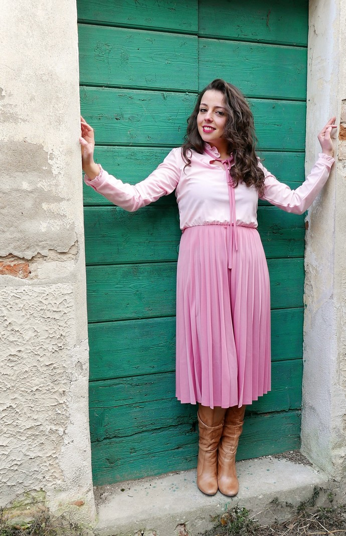 Vintage pink dress 60s tailored style length below the knee OOAK MAde in France