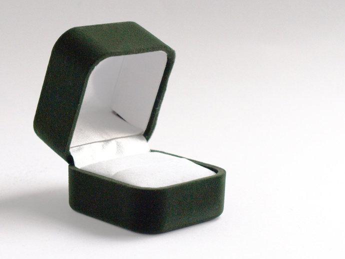 Forest Green Velvet Ring Box, Green Ring by Pink Burlesque on Zibbet