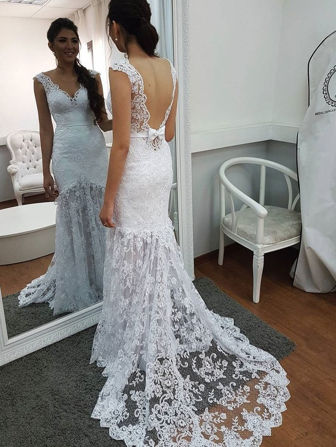 Sexy Lace Appliques Open Back Mermaid Wedding Dress