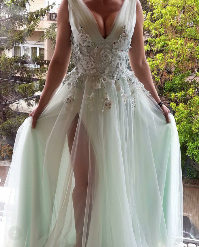 V Neck Long Prom Dresses A-line Appliques Formal Gowns Evening Dresses Sexy