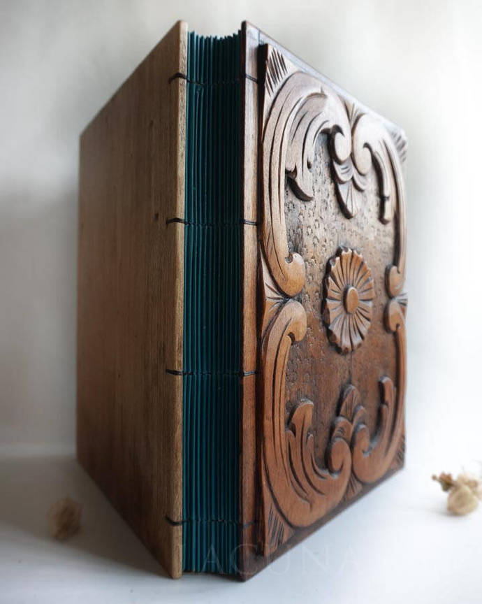 Photo album Wedding book Old wood Carved covers