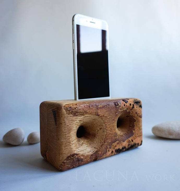 Wooden iPhone Speakers from hard wood