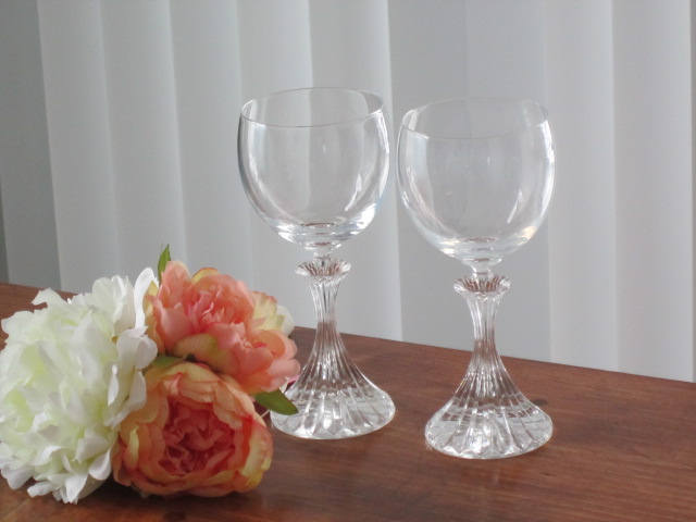 glasses, drinking glasses, celebration glasses, toasting glasses, party glasses,