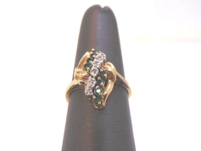 Women's Vintage Estate 10K Yellow Gold Diamond Emerald Cluster Ring 3.6g E1952
